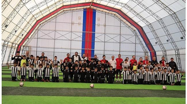 Beşiktaş Futbol Okulu Yaz Sezonu Tamamlandı