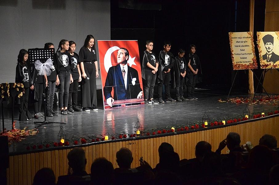 Büyük Önder Atatürk Törenle Karaman'da Anıldı