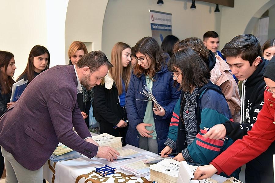 KMÜ Silifke'de Öğrencilerle Buluştu