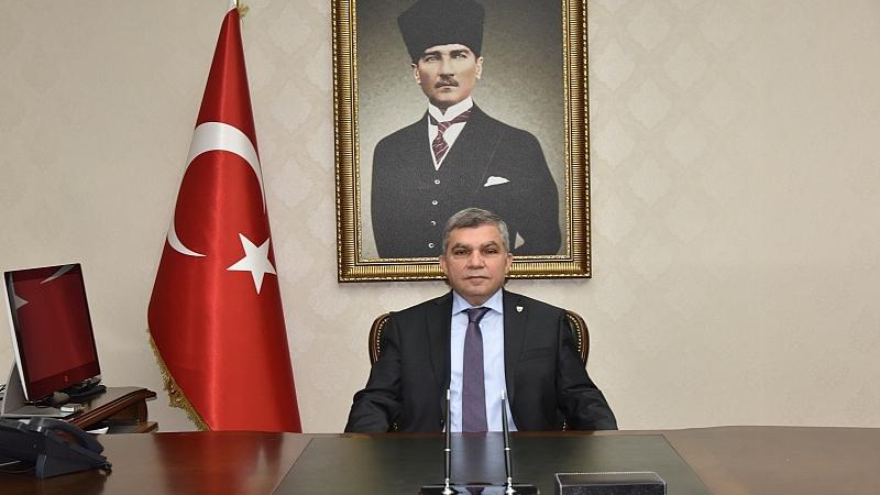 """Vali Işık; """"Kimsenin Türkiye Cumhuriyeti'ni Yıkmaya Ve Parçalamaya Gücü Yetmemiştir Ve Yetmeyecektir"""""""
