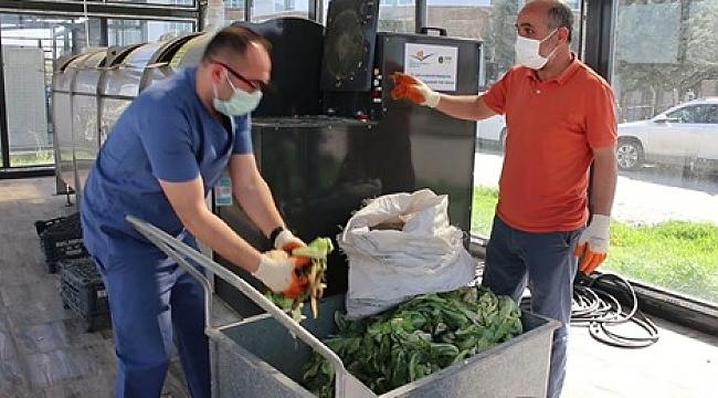 Hastanenin Atık Sebze Ve Meyveleri Organik Gübreye Dönüşüyor