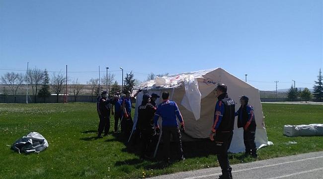 Karaman İl Jandarma Komutanlığına Çadır Kurma Eğitimi Verildi