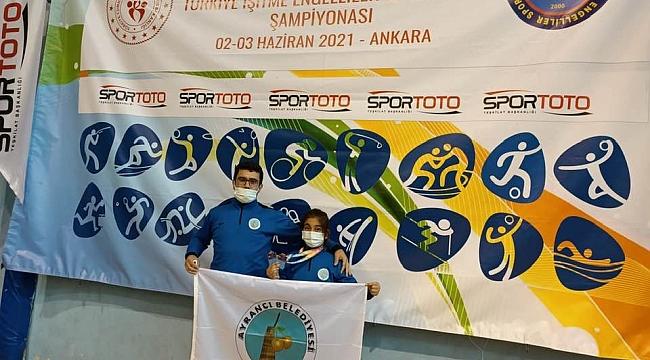 Badminton Türkiye Şampiyonu Karamanlı Sporcu Oldu