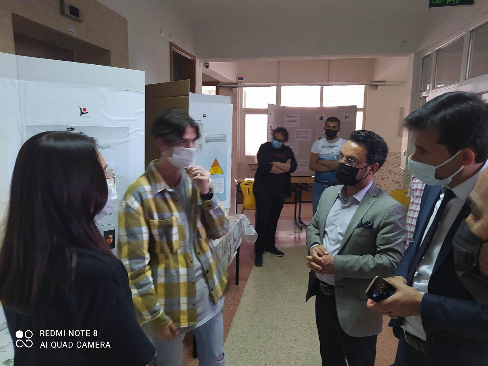 Gençler Tübitak Projelerini Sergiledi