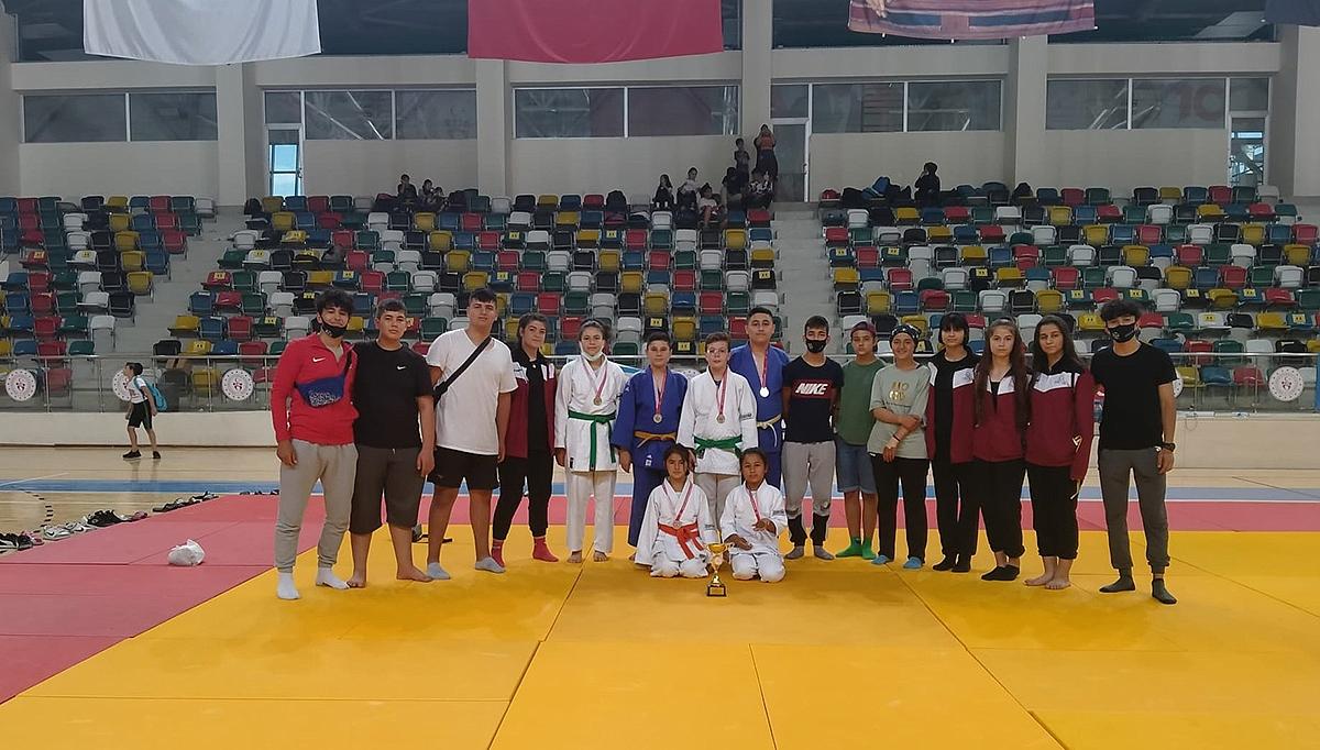 Karaman Judo Takımı 4 Altın, 9 Madalya Kazandı