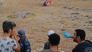 Kayalıklardan Düşen Vatandaşı Kurtarmak İçin Sağlık Ekipleri Zamanla Yarıştı