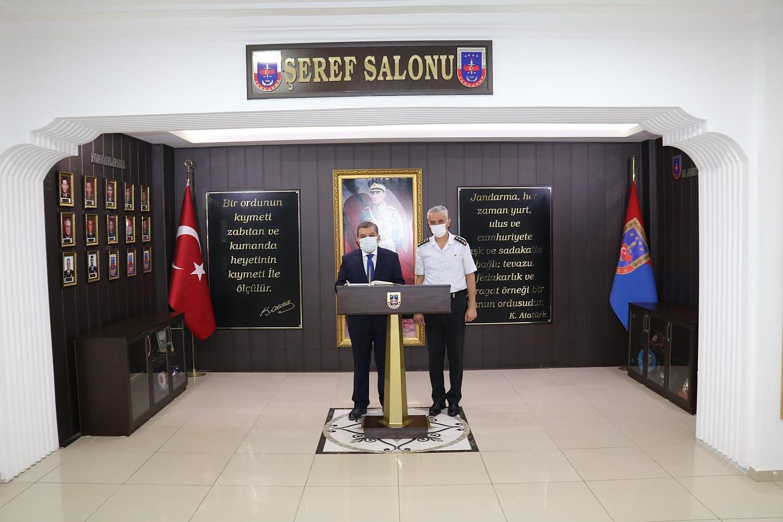Vali Işık'tan Jandarma Komutanı Çetinkaya'ya Hayırlı Olsun Ziyareti