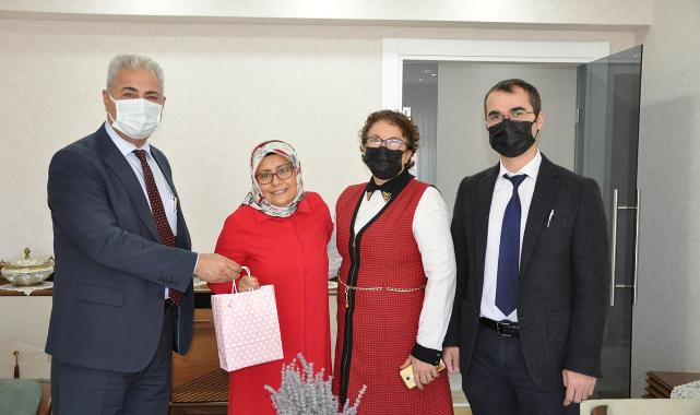 İl Sağlık Müdürü Kurşun'dan Kanser Hastası Sağlık Personeline Ziyaret