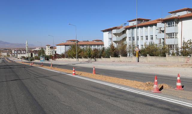 Şehit Muhammed Yalçın Bulvarı Ve Kızılay Caddesinde Çalışmalar Sürüyor